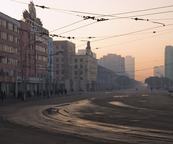 north-korea-dprk-pyongyang-street-morning-rushhour-station-empty-vanheijst.jpg