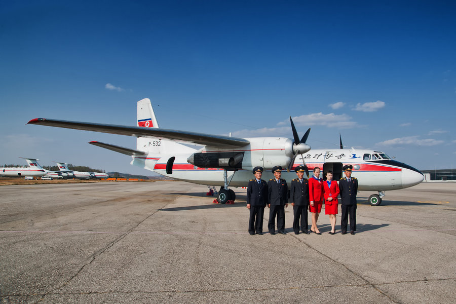 north-korea-air-koryo-antonov-an24-crew-2.jpg