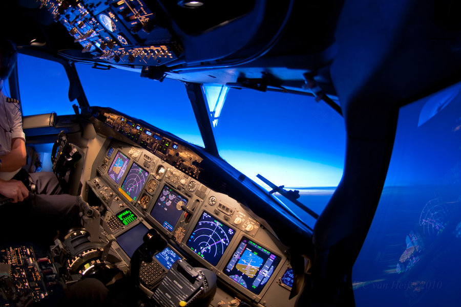 boeing-737-cockpit-turn right sunset.jpg