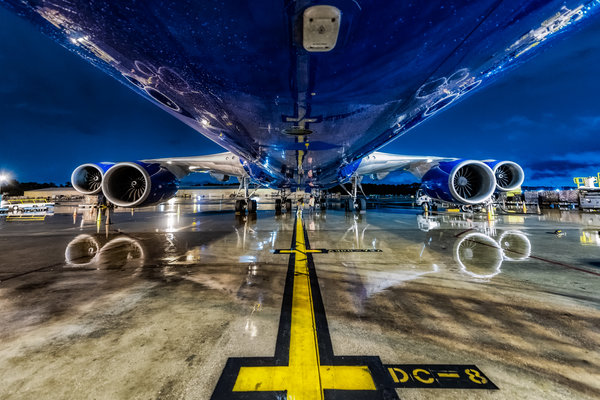 1-houston-wet-apron-747-silkway.jpg